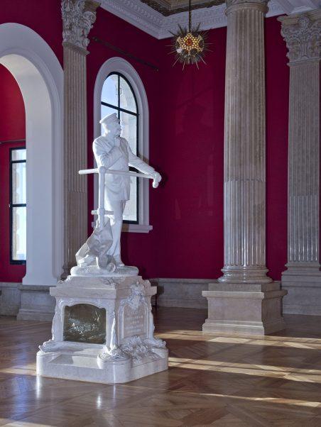 28 Statue Le Prince Albert Ier accoudé à la passerelle de Denys Puech M. Dagnino